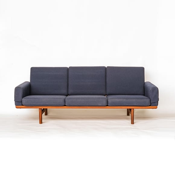 Free-standing three-seated sofa. GE 236